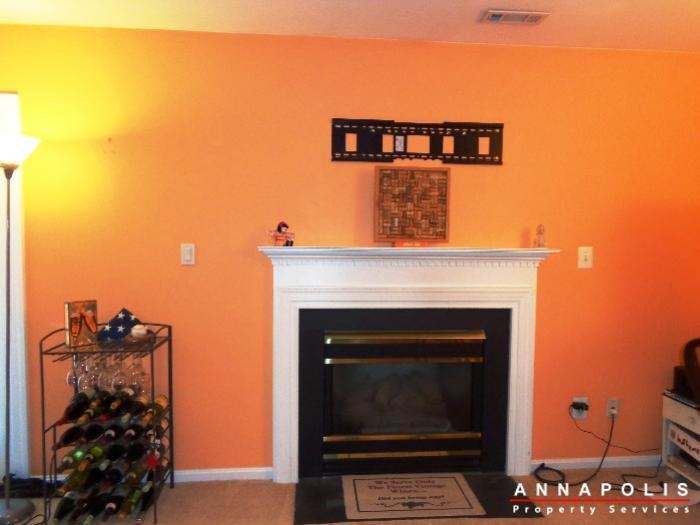 1106-niblick-court-id742-family-room-fp