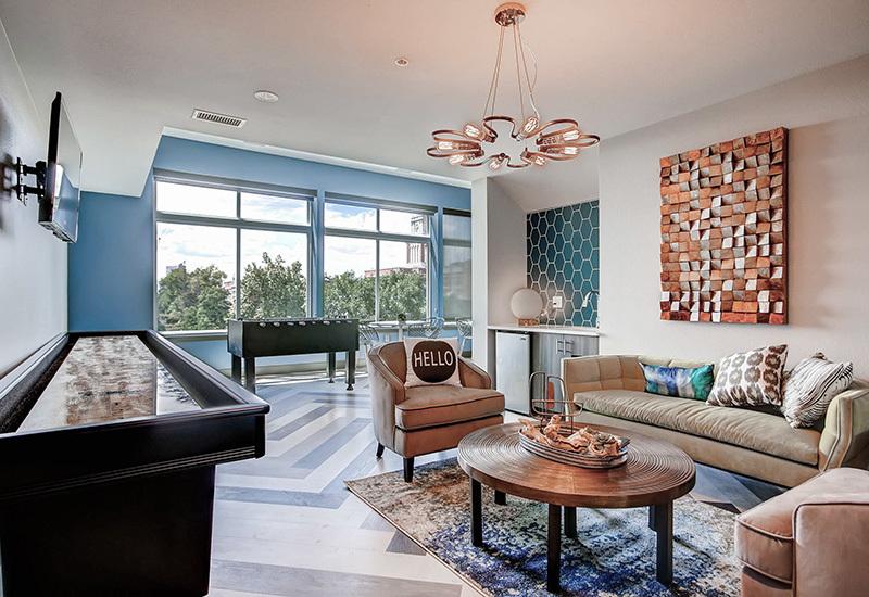 Ba detroitterraces lounge1 800x550
