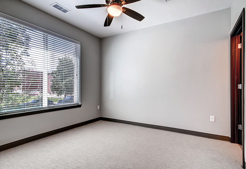 Ba detroitterraces unit103 bedroom2 800x550