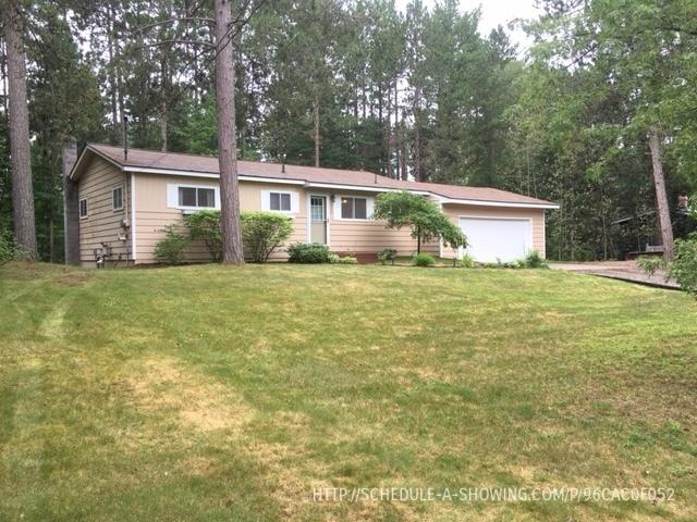 290 Riverside Rd, Marquette, MI 49855