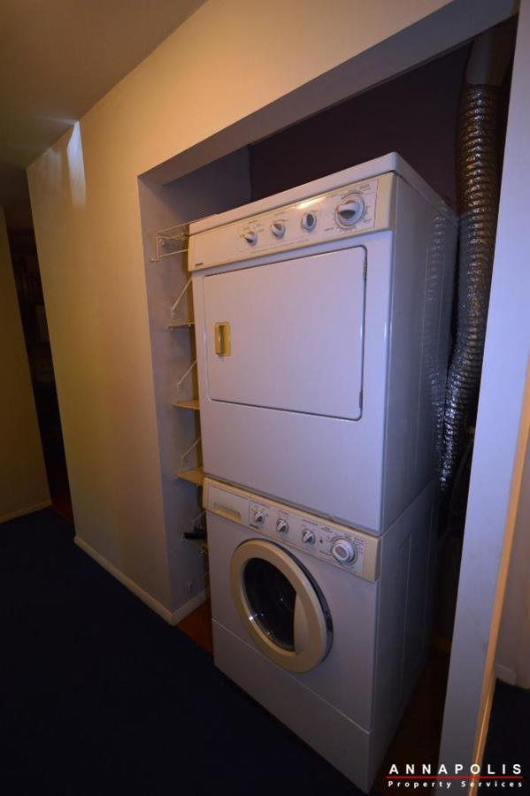 206-victor-parkway--e-id650-washer-and-dryer