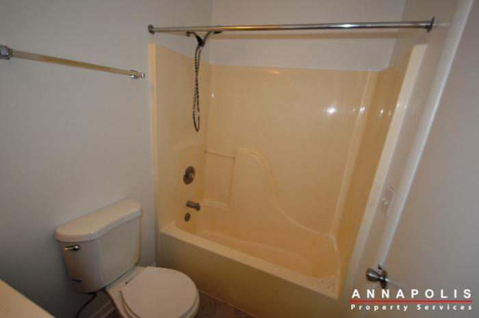 40e-hearthstone-ct-id753-bathroom-2a