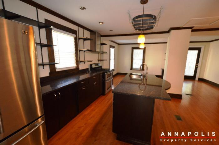 1009-tyler-ave-id752-kitchen-a