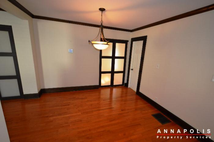 1009-tyler-ave-id752-dining-room