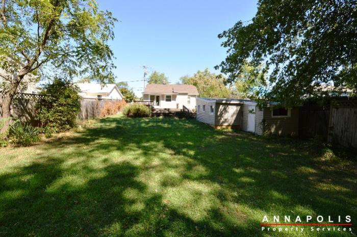 1009-tyler-ave-id752-back-of-house-b
