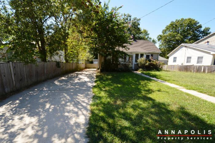 1009-tyler-ave-id752-front-and-drive-way
