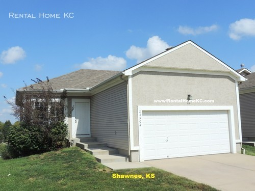 House for Rent in Lenexa