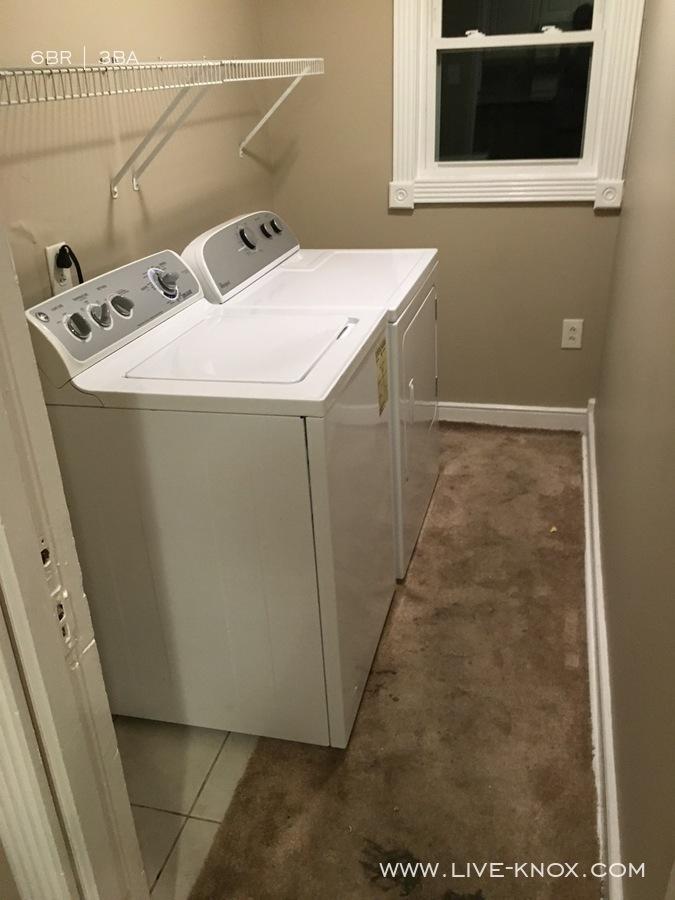 Upstairs_laundry