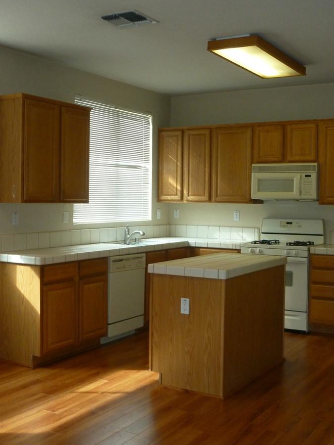 3._kitchen_-_farridge