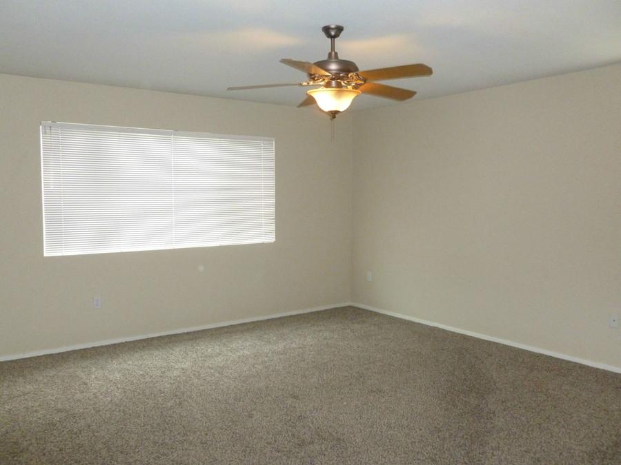 5._master_bedroom_-_farridge
