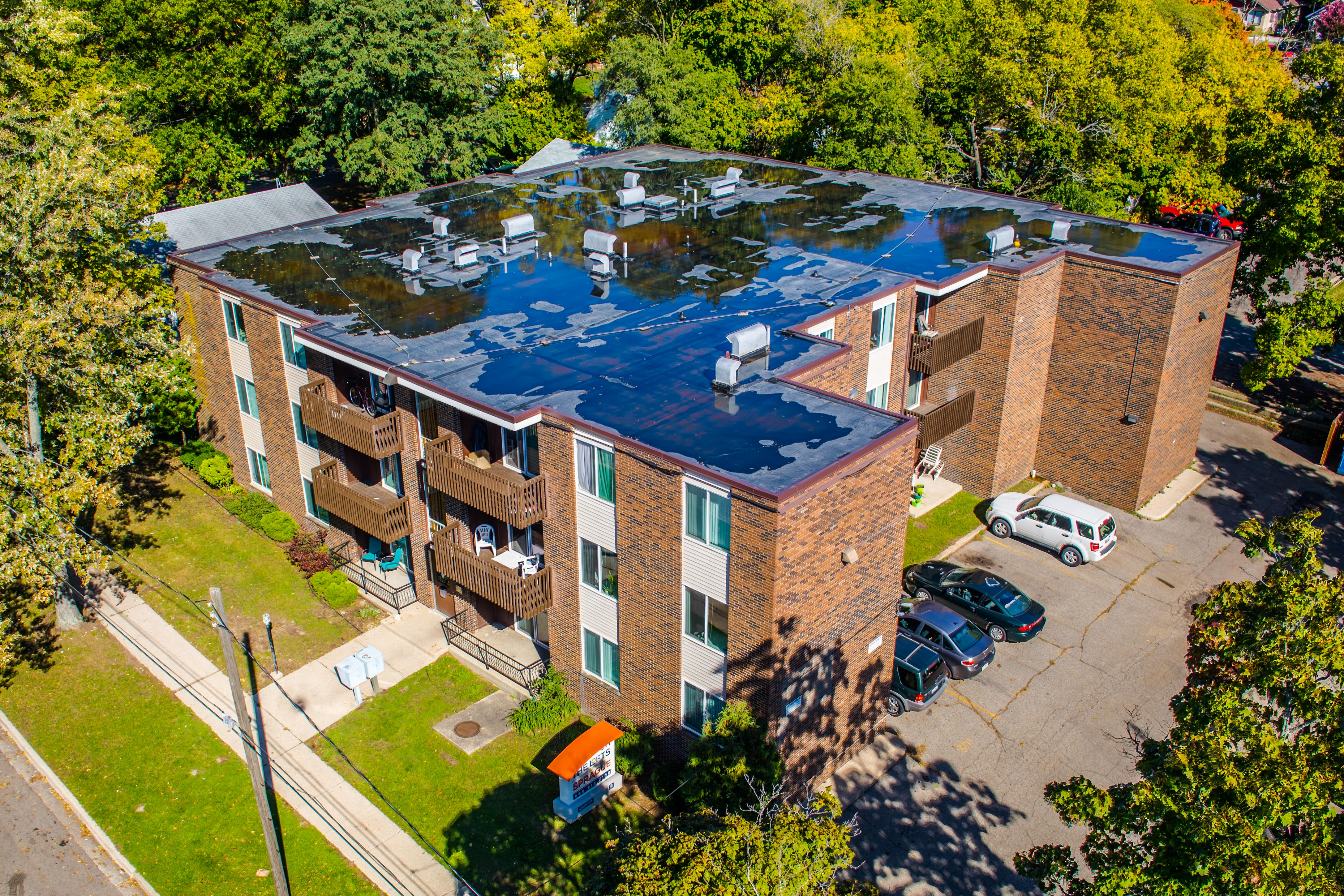 511 Sprague  PRE LEASING FOR FALL 2018: SPACIOUS, RECENTLY RENOVATED & AFFORDABLE
