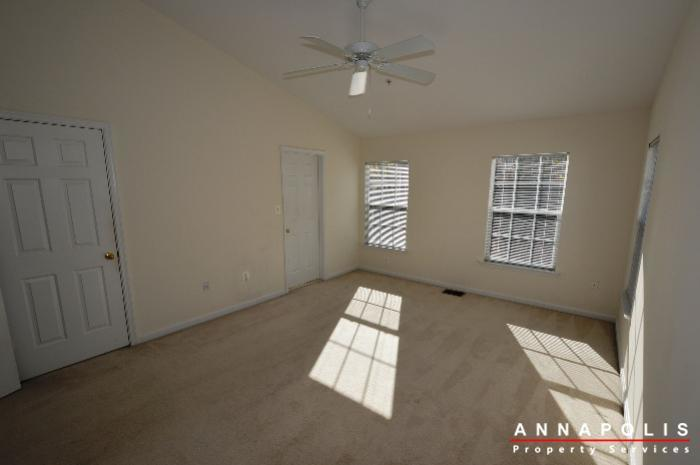 2123-hideaway-court-id773-master-bed-b