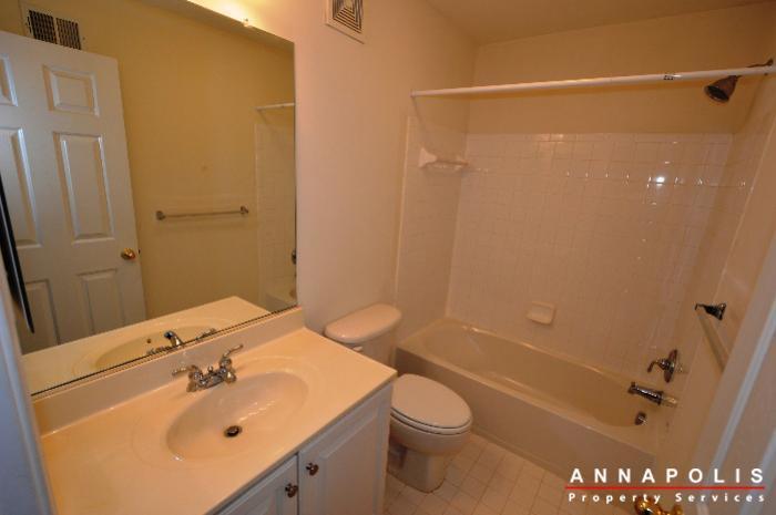 2123-hideaway-court-id773-main-bath