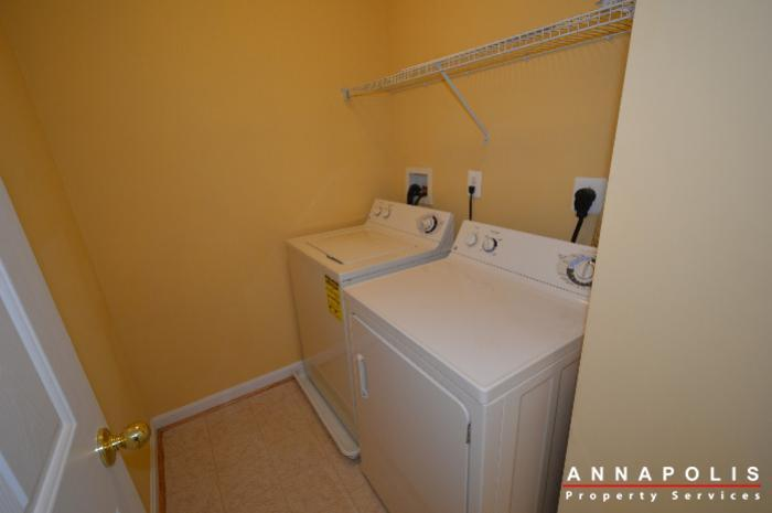 2123-hideaway-court-id773-washer-and-dryer