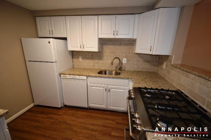 2572-riva-rd-16b-id775-kitchen-b