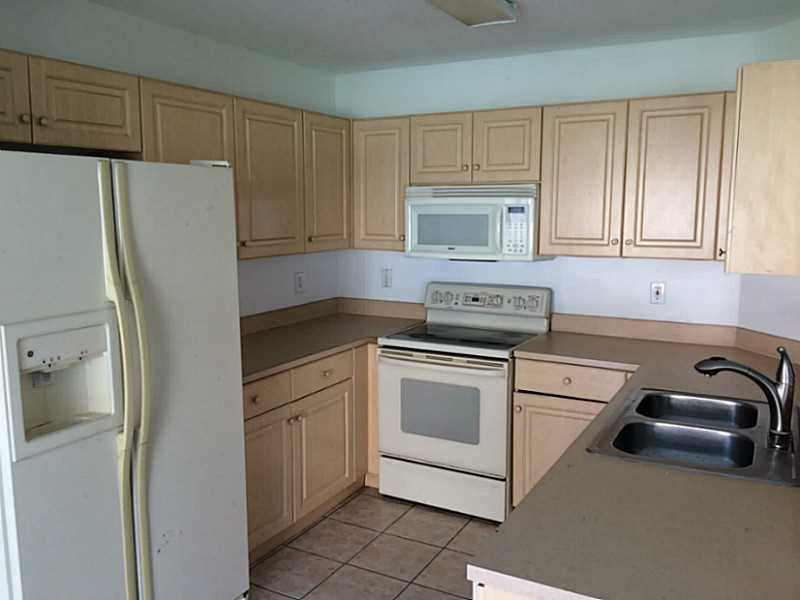 $1800 per month , 820 NW 208TH CIRCLE,