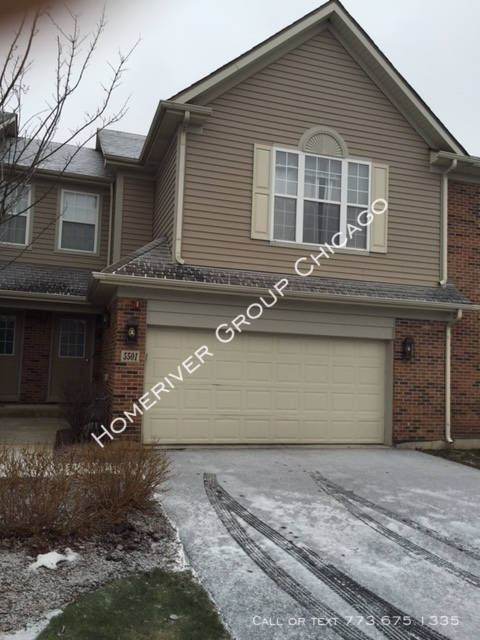 Townhouse for Rent in Hoffman Estates