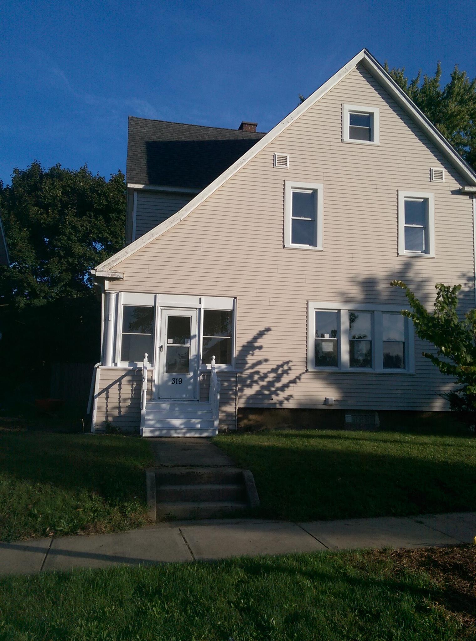 $880 per month , 319 Lindenwood Ave,