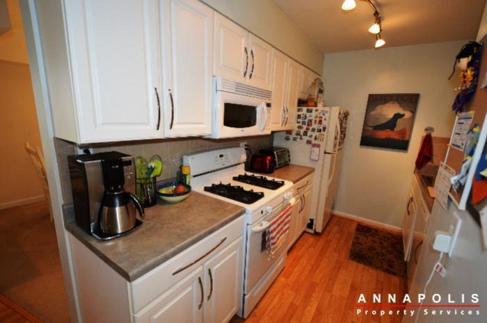 3-silverwood-circle-7-id780-kitchen-b