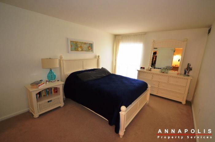 3-silverwood-circle-7-id780-master-bed-a