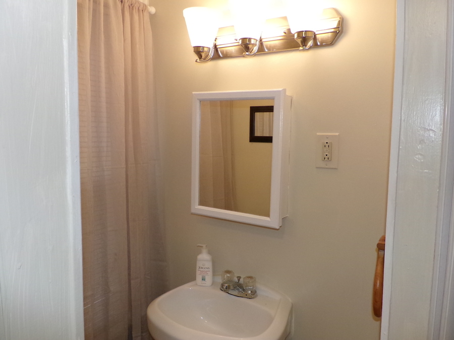 18_furnished_house_in_easton_pa