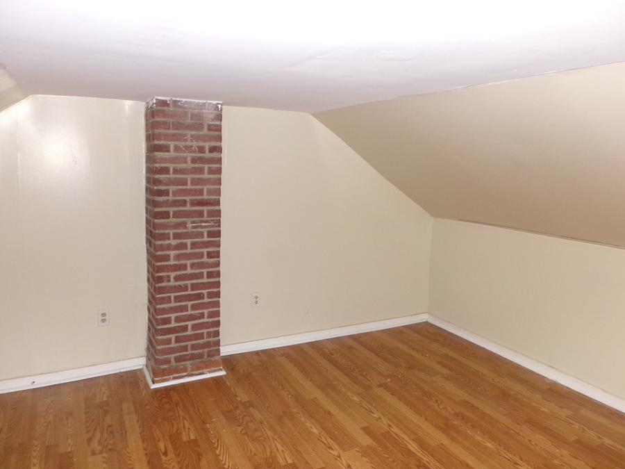 21_furnished_house_in_easton_pa_(33)