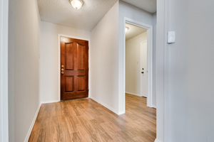 6924_brentwood_stair_road-14