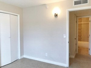 3 Bedroom 2 Bath Duplex - Oracle Rd & Glenn St - Tucson apartments for rent - backpage.com