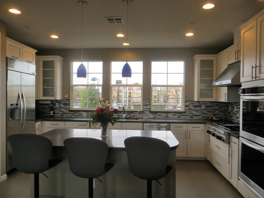 Ad4_kitchen