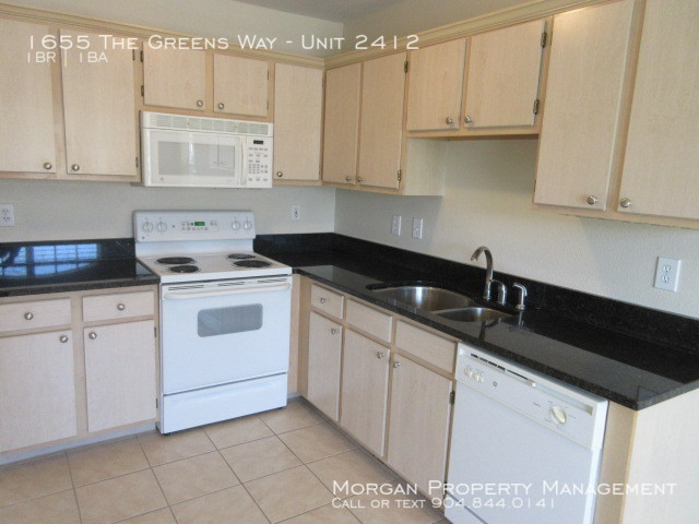 $995 per month , Unit 2412 1655 The Greens Way,