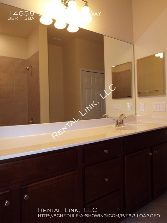 Summerlin_place-14658_%2824%29