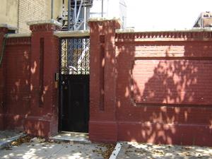 1401_courtyard_ent