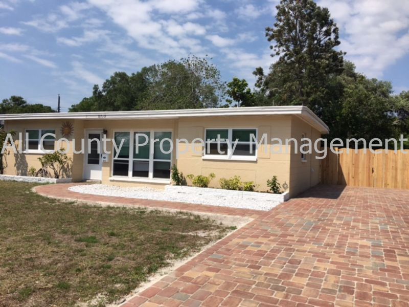 $1375 per month  8719 Narcissus Ave
