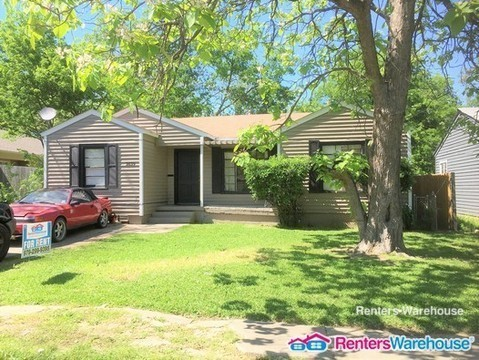 $1095 per month  2639 Wilhurt Ave