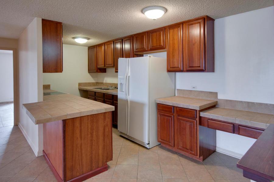 2225_buchtel_blvd_211_denver-large-012-19-kitchen-1500x997-72dpi