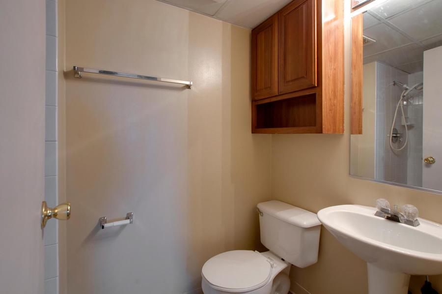 2225_buchtel_blvd_211_denver-large-019-7-master_bathroom-1500x997-72dpi