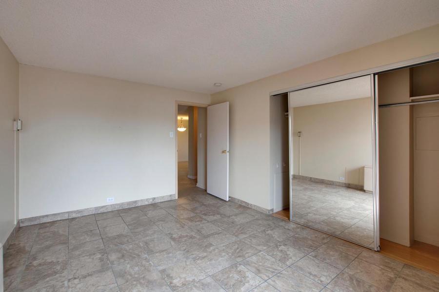 2225_buchtel_blvd_211_denver-large-021-5-bedroom-1500x997-72dpi