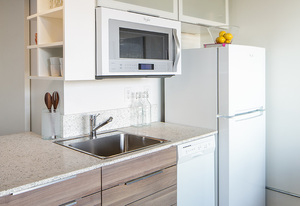 """Ba_turntable_new_studio_kitchen2_800x550"""