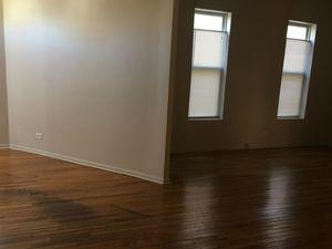 2 FLT BLDG,KIT BCKSPLASH,GRANITE COUNTERTOPS,LRG BDRMS,NO SEC,HRDWD FLRS,LIV & DIN RM - Chicago apartments for rent - backpage.com