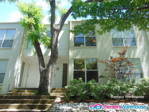 $1800 per month  4122 Travis St Unit 13