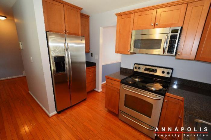 687-genessee-st-id707-kitchen-bn