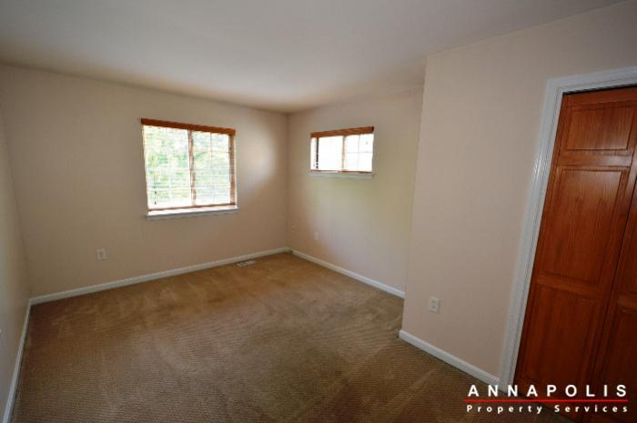 687-genessee-st-id707-master-bedroom-2an