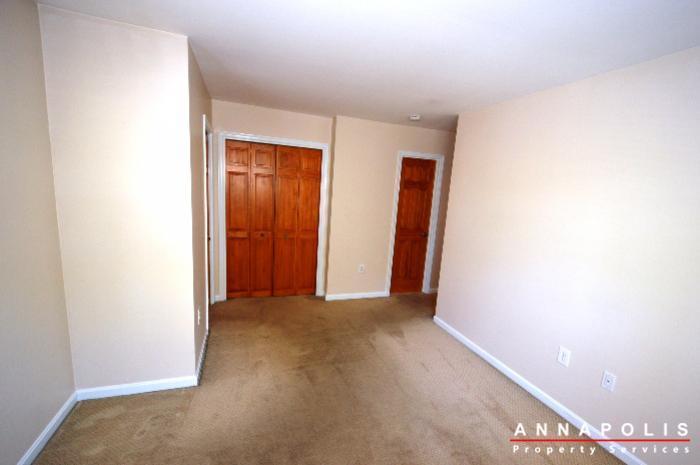 687-genessee-st-id707-master-bedroom-2bn