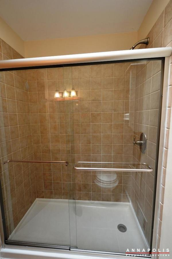 687-genessee-st-id707-master-shower-an