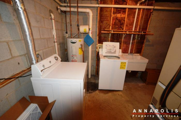 687-genessee-st-id707-washer-and-dryer