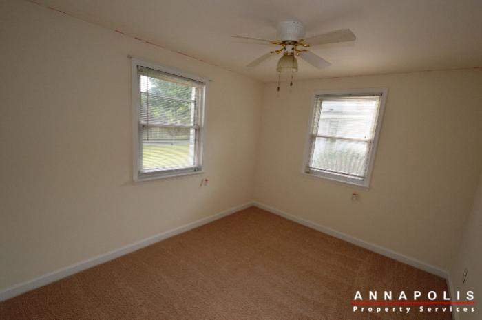 303-kenmore-ave-id807-bedroom-2a