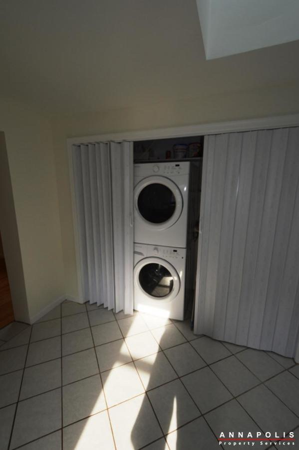303-kenmore-ave-id807-washer-and-dryer