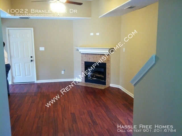 Branley_oak_-_fireplace