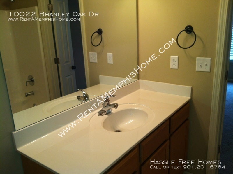 Branley_oak_-_bathroom_sink