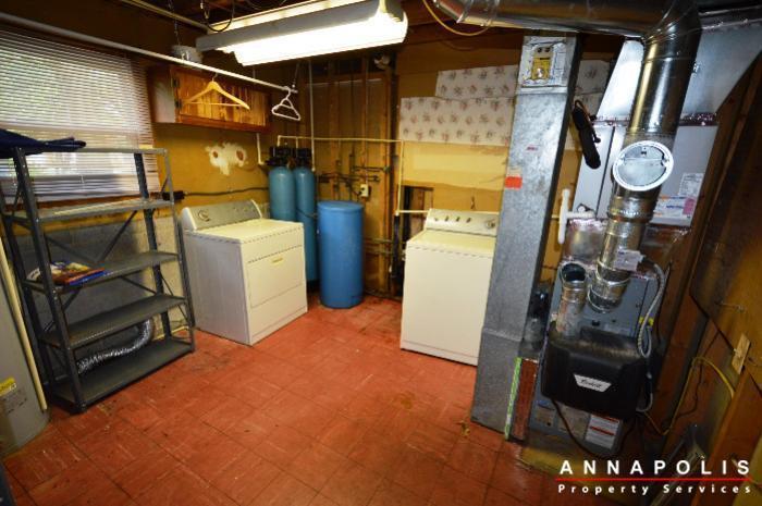 1049-tudor-drive-id208-utiliy-room
